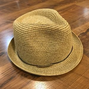 Straw hat with thin brown band - Women's